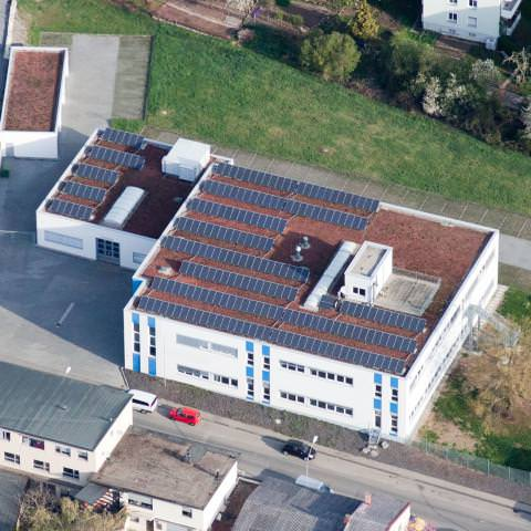 Solaranlage in Stuttgart (2008), Gewerbeimmobilie
