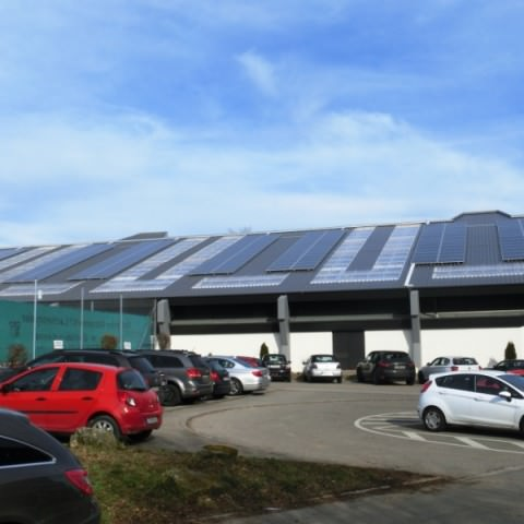 Photovoltaikanlage in Ostfildern (2013), Tennishalle